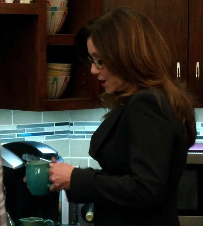 2x06_boys_kitchen_creamer_green