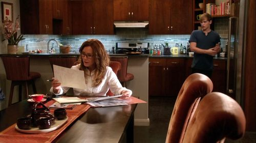 3x02_condo_kitchen_01