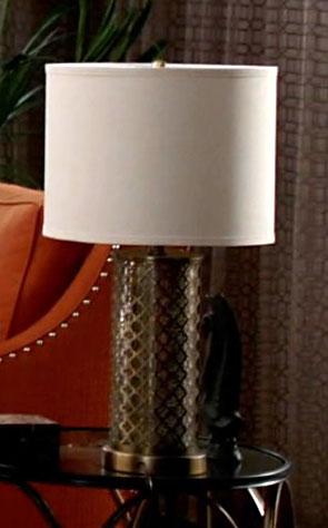 3x17_condo_gold_lamp_02