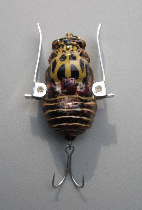 Jackall: tribal bee